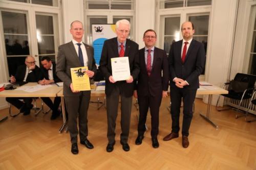 Ehrung Prof. Rainer Reisel zum Ehrenvorstandsmitglied